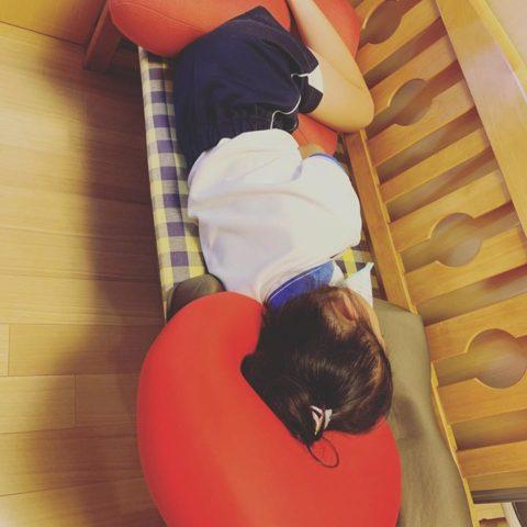 ママの治療が終わるの待ってたら寝ちゃった〜(´∀`)